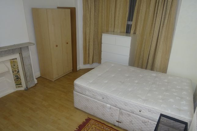Thumbnail Room to rent in Crowther Road, South Norwood