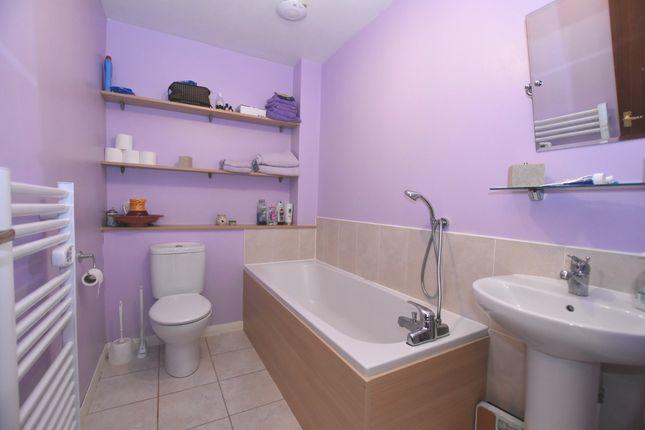 Bathroom of Sandport Close, Kinross KY13