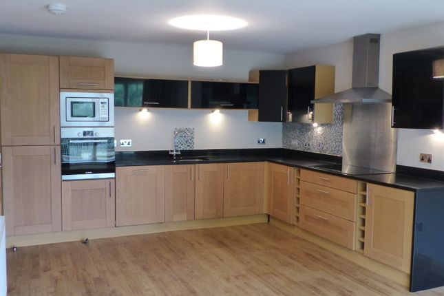 Thumbnail Flat to rent in Whitehouse Road, Cramond, Edinburgh