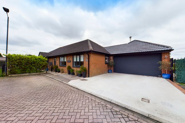 3 bed detached bungalow for sale in Farm Grange, Balby, Doncaster, South Yorkshire DN4