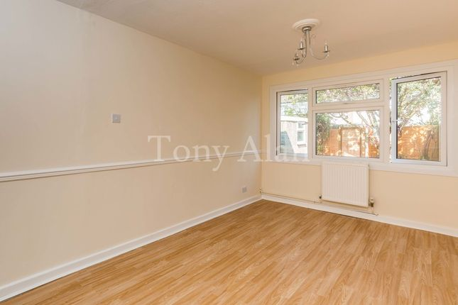Thumbnail Semi-detached house to rent in Lynmouth Road, London