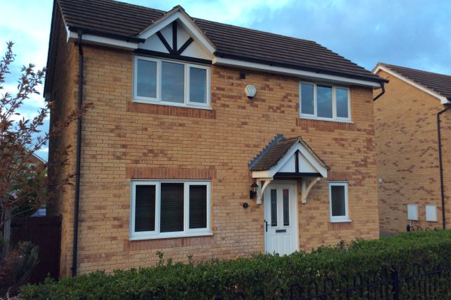 3 bed detached house to rent in Cygnet Close, Brampton Bierlow, Rotherham