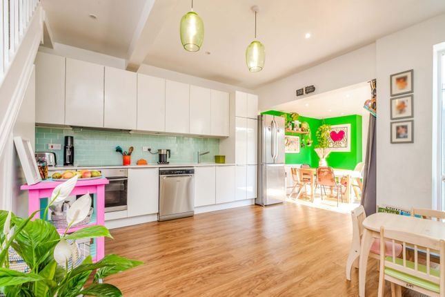 3 bed semi-detached house for sale in Newhaven Road, London SE25