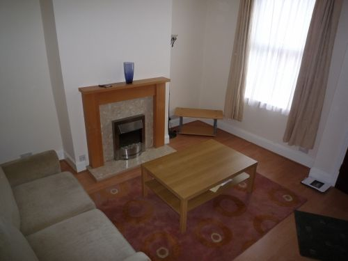 Thumbnail Terraced house to rent in Recreation Mount, Holbeck, Leeds