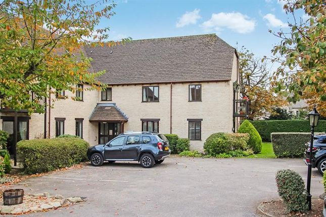 2 bed property for sale in Langdale Gate, Witney