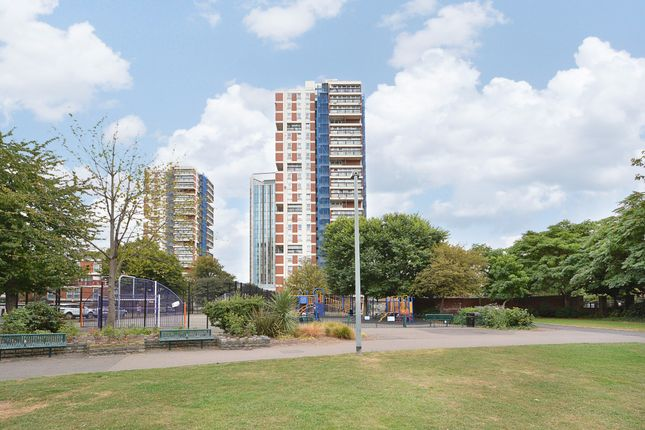 Thumbnail Flat for sale in Canada Estate, London