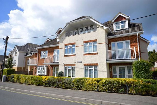 Thumbnail Flat to rent in Whitefield Road, New Milton