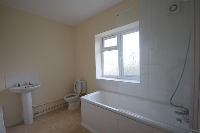 Family Bathroom of Summercroft, Donnington, Telford TF2