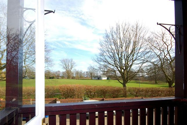 Thumbnail Flat for sale in West Court, Summerfields, Ingatestone