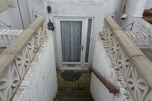 Thumbnail Flat to rent in St Annes Road, Bridlington
