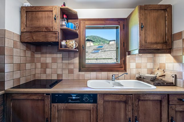 Kitchen With Picture