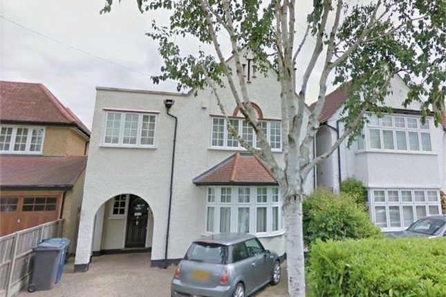 4 bed detached house to rent in Beech Walk, London