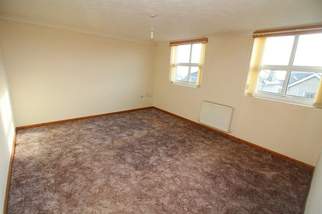 Thumbnail Flat to rent in Elizabeth Venmore Court, Milford Haven
