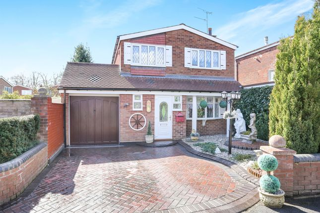 3 bed detached house for sale in Chillington Drive, Codsall, Wolverhampton