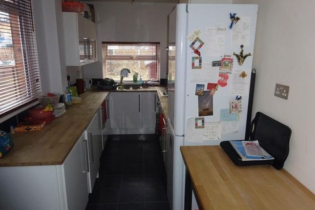 Thumbnail Terraced house to rent in Evelyn Street, Beeston, Nottingham