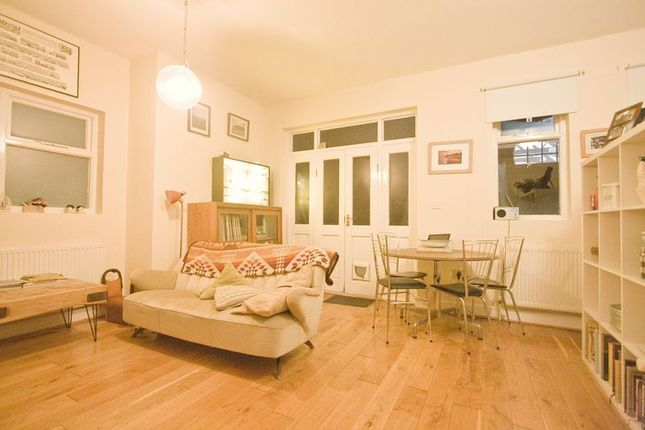 Flat to rent in Vestry Road, London