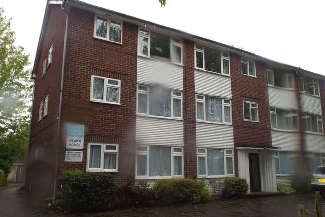 1 bed flat to rent in Wilmot House, Eaton Road, Sutton