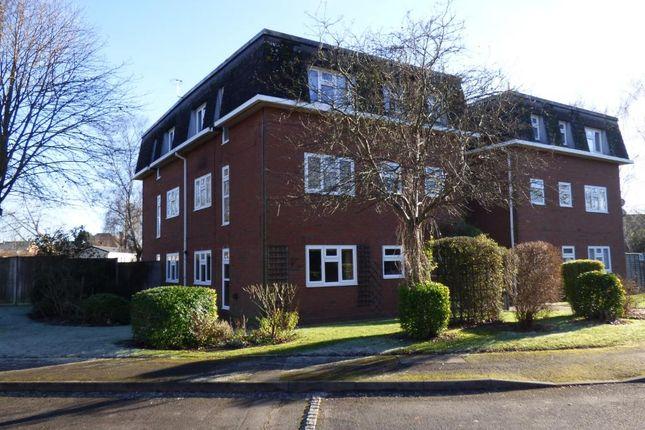 Thumbnail Flat for sale in Bartons Way, Farnborough