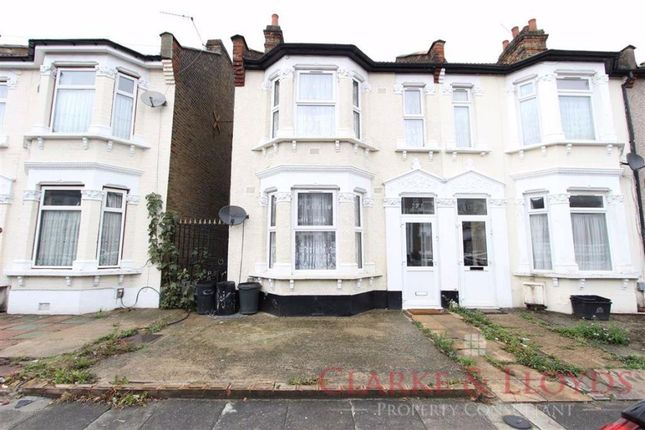3 bed detached house for sale in Henley Road, Ilford IG1