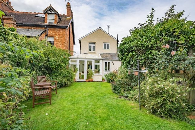 Thumbnail Detached house for sale in Holden Park Road, Southborough, Tunbridge Wells