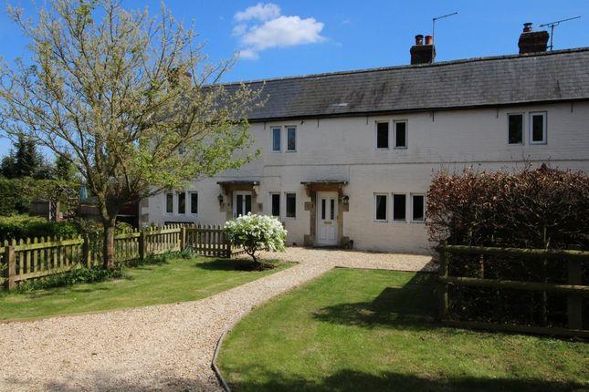 Thumbnail Cottage to rent in Kington Langley, Chippenham