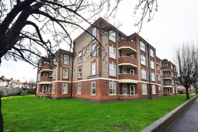 4 bed flat for sale in Malden Way, New Malden