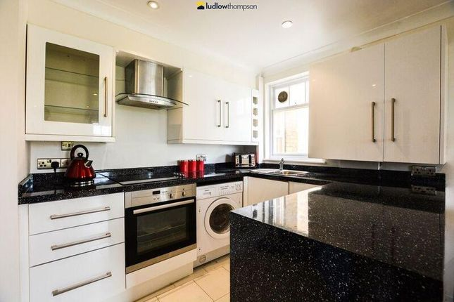 1 bed flat to rent in Sutton Square, Urswick Road, London