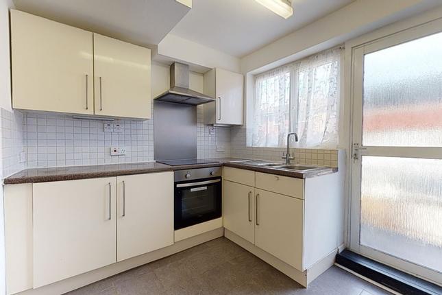4 bed flat to rent in Breaks Road, Hatfield, Alondon AL10