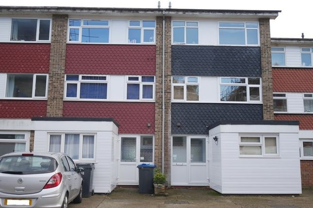 Thumbnail Property to rent in Etwell Place, Surbiton