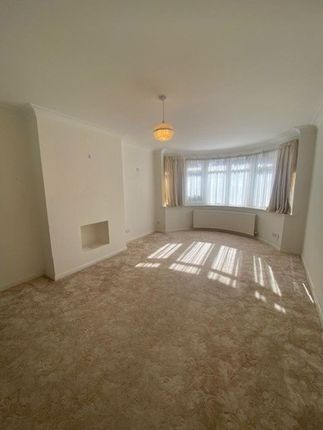 Thumbnail Property to rent in Creighton Avenue, London