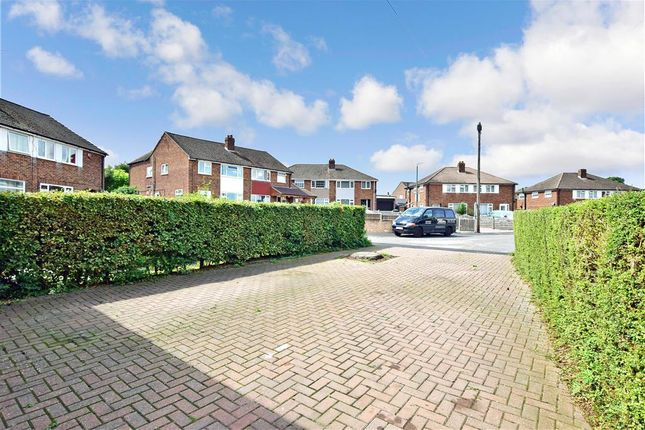 Driveway/Parking of Garden Close, Maidstone, Kent ME15