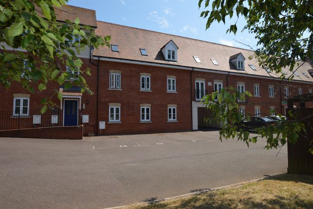 3 bed flat for sale in Veale Drive, Exeter