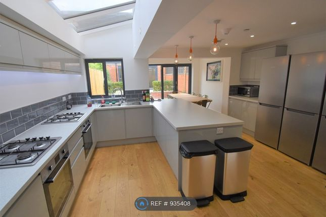 Thumbnail 8 bed terraced house to rent in Addington Road, Reading