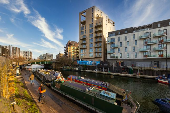 3 bed flat for sale in Bridport Place, Hackney N1