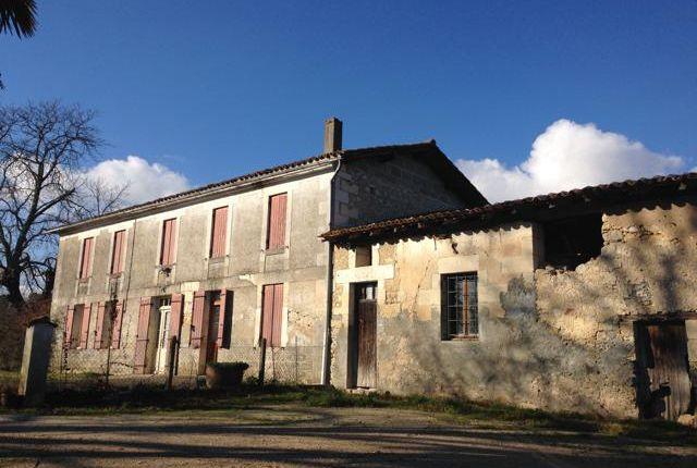 Montguyon (Commune), Montguyon, Jonzac, Charente-Maritime, Poitou-Charentes, France