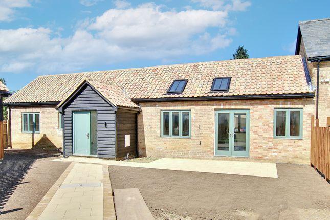 2 bed barn conversion for sale in Manor Courtyard, Wennington, Huntingdon PE28