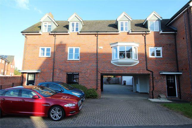 3 bed flat for sale in Jubilee Drive, Church Crookham, Fleet GU52