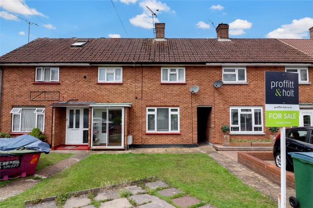 Front of Blackthorn Close, Watford WD25