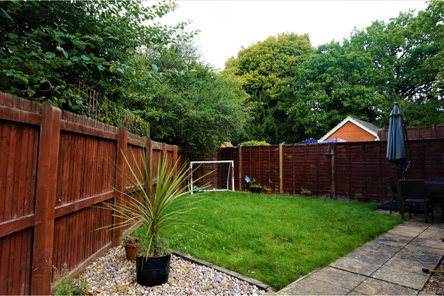juniper close oxted rh8 3 bedroom end terrace house for