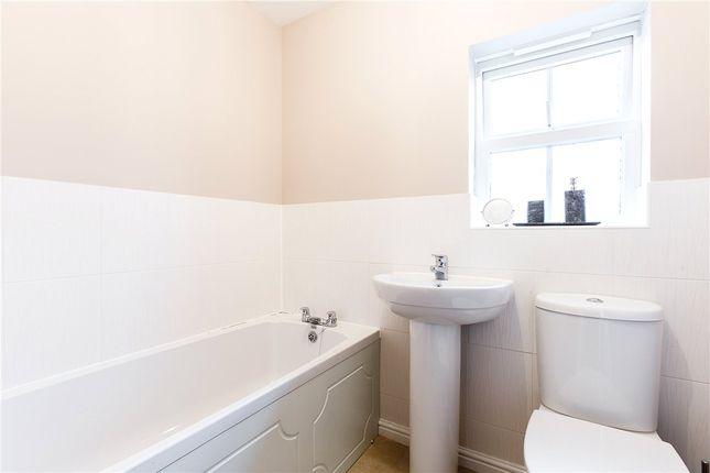 Family Bathroom of Hermitage, Thatcham, Berkshire RG18