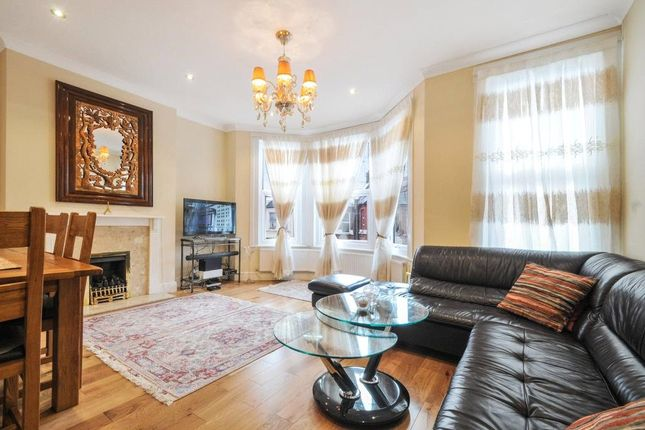3 bed flat for sale in Bathurst Gardens, London NW10