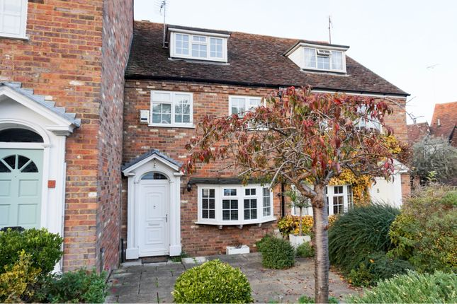 3 bed terraced house for sale in Pickford Road, Markyate