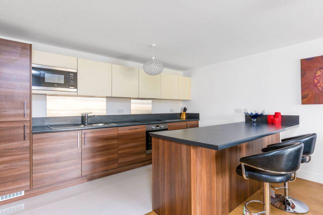 Thumbnail Flat to rent in Kew Bridge Road, Kew Bridge, Brentford