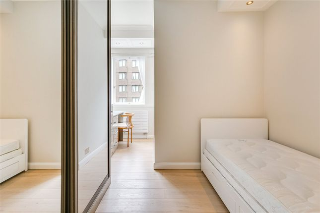 Second Bedroom of Hungerford House, 22 Napier Place, London W14