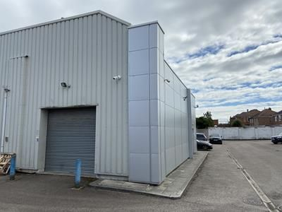 Thumbnail Light industrial to let in 92-94, Gipsy Lane, Leicester