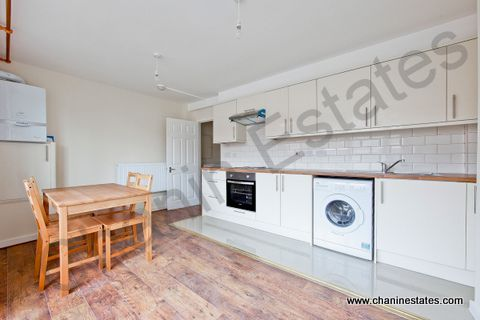 Thumbnail Maisonette to rent in Bath Terrace, London Bridge, London