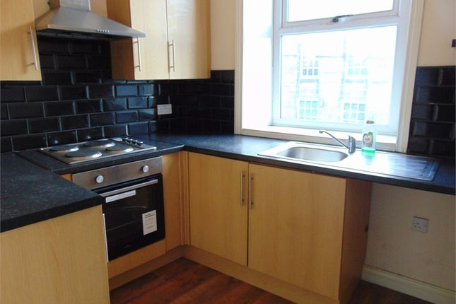 1 bed flat to rent in Parker Lane, Burnley, Lancashire BB11