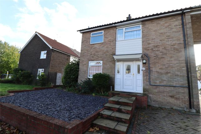 2 bed link-detached house to rent in Wickhay, Basildon SS15