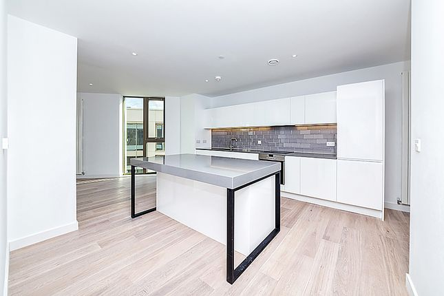 Thumbnail Flat for sale in Commodore House, Royal Wharf, London