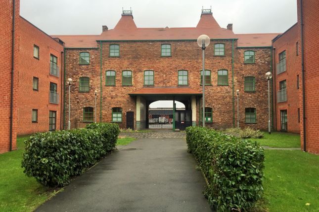 Thumbnail Flat to rent in 14 Hartley Court, Cliffe Vale, Stoke-On-Trent, Staffordshire